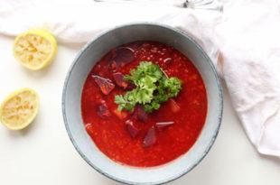 Lunende linsesuppe med rødbeder