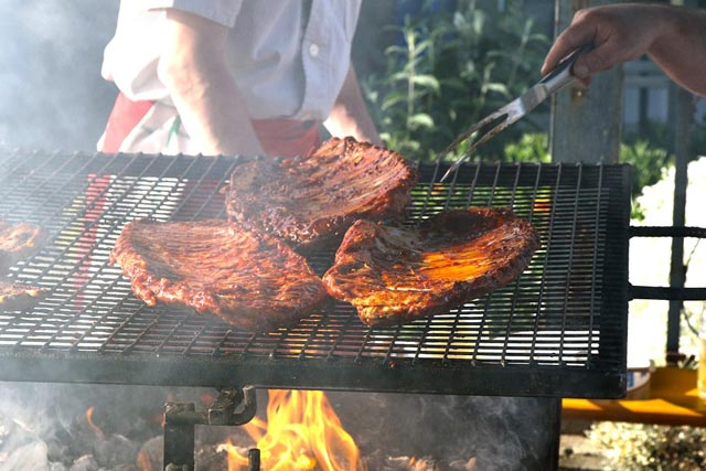 Spareribs På Gasgrill Tid : Besøg bones uanset årstiden og smag på deres super ribs